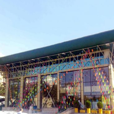 اجرای نمای شیشه ای کرتین وال در فروشگاه های زنجیره ای شهروند