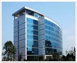 شیشه های نشکن (سکوریت)با اعمال فرایند حرارتی برشیشه های معمولی تولید می شوند .شیشه سکوریت مقاومت بالایی در برابر ضربه ،فشار و حرارت دارند .